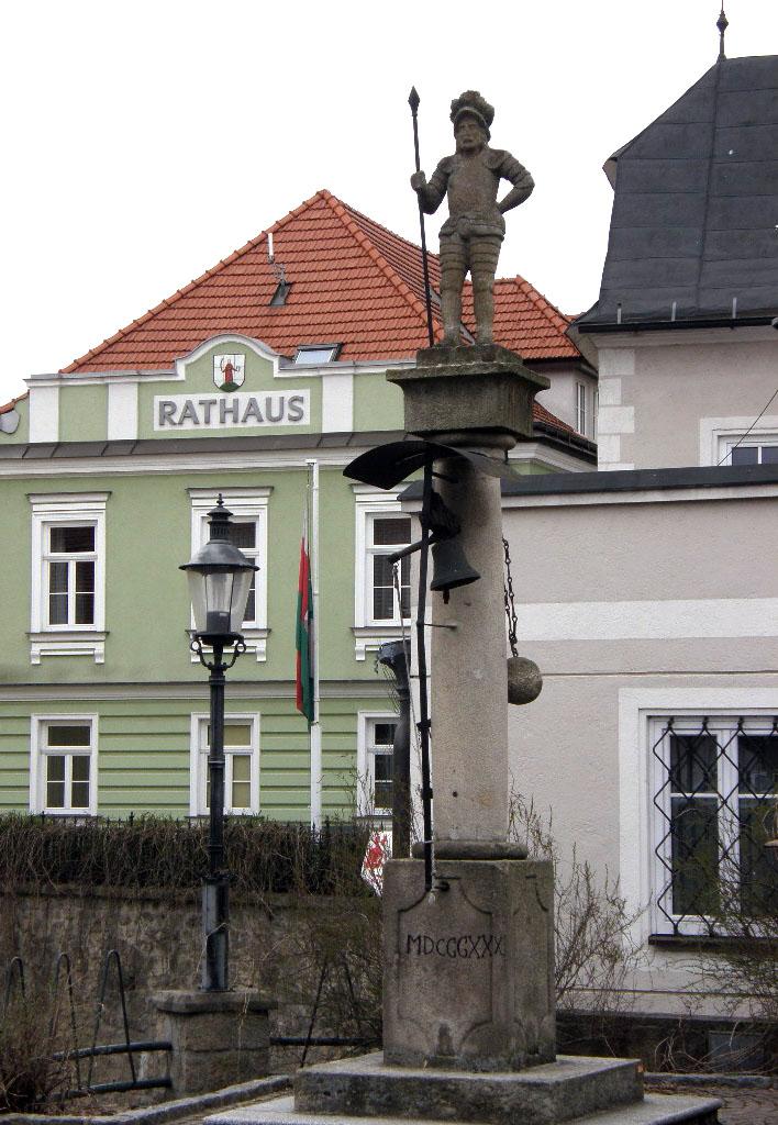 Bildergebnis für Rathaus heidenreichstein